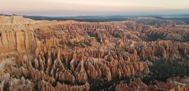 Sunrise at Bryce Point in Bryce Canyon National Park